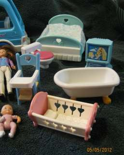 Fisher Price Loving Family Little Tykes Dollhouse Dolls & Accessories