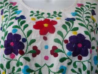 Vintage Mexican EMBROIDERED HIPPIE DRESS M / L Boho BEAUTY!!
