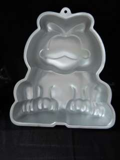 Wilton cake pan AluminumGarfield cat fat john cartoon 1978