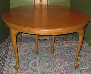 ANTIQUE ROUND OAK DINING TABLE 4 LEGS + 2 CENTER LEGS
