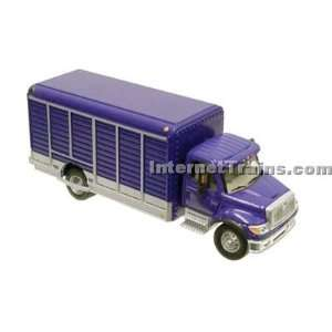 HO Scale International 7000 2 Axle Beverage Truck   Blue: Toys & Games