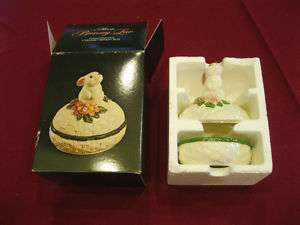 Avon Bunny luv ceramic trinket box 1982 nib easter