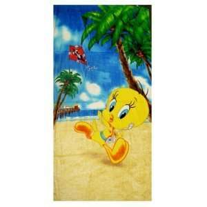 Looney Tunes Tweety Bird on Tropical Beach Towel Toys & Games