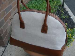 Liz Claiborne Carried Away Domed Satched Travel Bag Wht